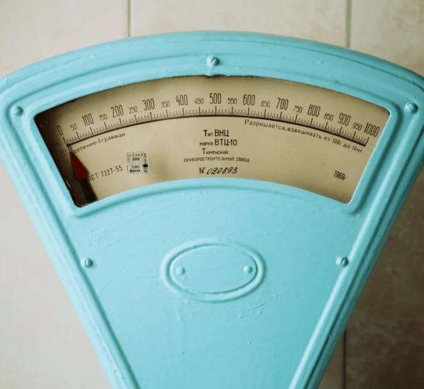 image de balance : Infobésité et obésiciel : tendre vers la sobriété numérique